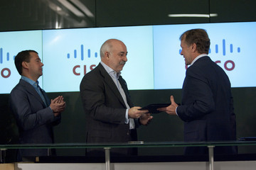 Viktor Vekselberg Russian PM Medvedev Tours Cisco Systems HQ With Schwarzenegger