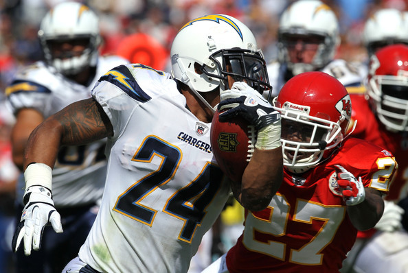 Ryan Mathews runs vs the Chiefs. Photo by Stephen Dunn/Getty Images