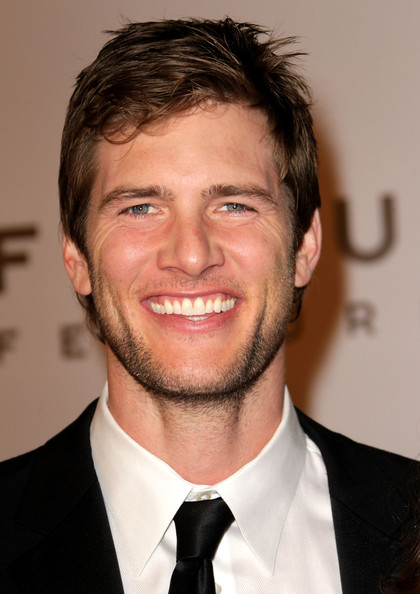 Ryan McPartlin - Wallpaper
