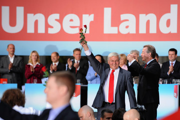 Frank-Walter Steinmeier Franz Muentefering SPD Final Election Campaigning For Federal Elections
