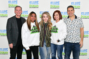 Sabrina Carpenter Photos Photo
