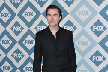 sam underwood and valorie curry