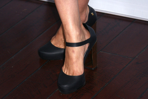 Disney ABC Television Group's 2014 Winter TCA Party - Arrivals [footwear,shoe,leg,human leg,ankle,high heels,mary jane,joint,calf,foot,arrivals,samaire armstrong,shoe detail,pasadena,abc television group,disney,party,2014 winter tca,tca,spa]