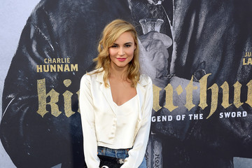 Samaire Armstrong Premiere of Warner Bros. Pictures' 'King Arthur: Legend of the Sword' - Arrivals