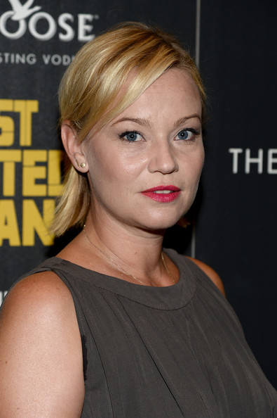 samantha mathis height