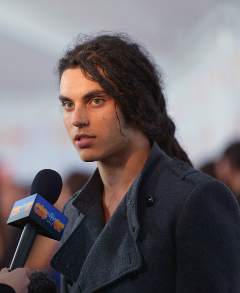 samuel larsen just can't help it lyrics
