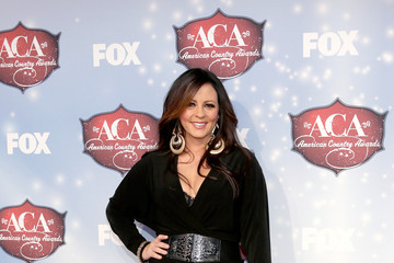 Sara Evans Arrivals at the American Country Awards — Part 2