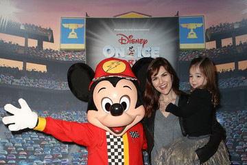 Sara Rue Disney on Ice Presents Worlds of Enchantment Celebrity Guests (STAPLES Center Los Angeles)