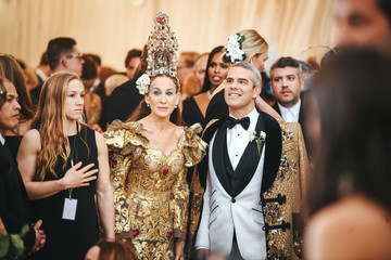Sarah Jessica Parker Andy Cohen Heavenly Bodies: Fashion & The Catholic Imagination Costume Institute Gala - Arrivals