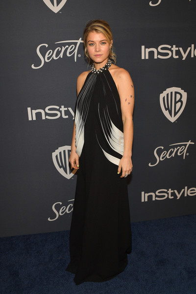 The 2020 InStyle And Warner Bros. 77th Annual Golden Globe Awards Post-Party - Red Carpet [dress,clothing,shoulder,carpet,little black dress,hairstyle,fashion,red carpet,premiere,joint,sarah jones,beverly hills,california,the beverly hilton hotel,instyle,red carpet,warner bros. 77th annual golden globe awards,warner bros. 77th annual golden globe awards post-party,sarah jones,celebrity,party 01,golden globe awards,litex \u0161aty d\u00e1msk\u00e9 s k\u0159id\u00e9lkov\u00fdm ruk\u00e1vem. 90304901 \u010dern\u00e1 m,instyle,red carpet,party,little black dress]