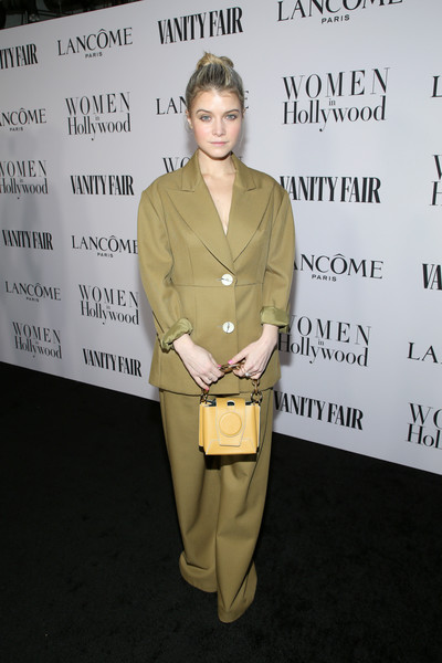 Vanity Fair And Lancôme Toast Women In Hollywood In Los Angeles [vanity fair,hairstyle,fashion,outerwear,pantsuit,fashion design,premiere,beige,suit,toast women in hollywood,sarah jones,lanc\u00e3,los angeles,lanc\u00f4me toast women in hollywood,california,sarah jones,hollywood,vanity fair,celebrity,actor,fashion,hawtcelebs,supermodel,bella thorne]