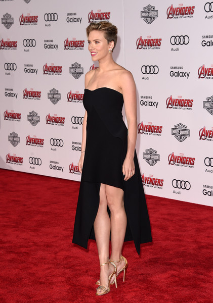 Premiere Of Marvel's 'Avengers: Age Of Ultron' - Arrivals [avengers: age of ultron,dress,clothing,shoulder,red carpet,carpet,cocktail dress,premiere,joint,strapless dress,little black dress,scarlett johansson,arrivals,california,hollywood,dolby theatre,marvel,premiere]