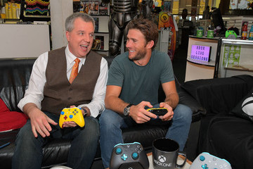 Scott Eastwood Xbox Live Sessions With Scott Eastwood For Cuphead