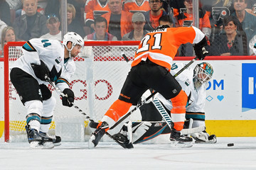 Scott Laughton San Jose Sharks vs. Philadelphia Flyers