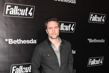Scott Porter 'Fallout 4' Video Game Launch Event - Los Angeles, CA
