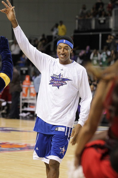 2011 NBA All Star Celebrity Game [sports,team sport,player,tournament,championship,basketball player,basketball moves,ball game,joint,footwear,scottie pippen,los angeles,california,los angeles convention center,bbva,nba all star celebrity game]