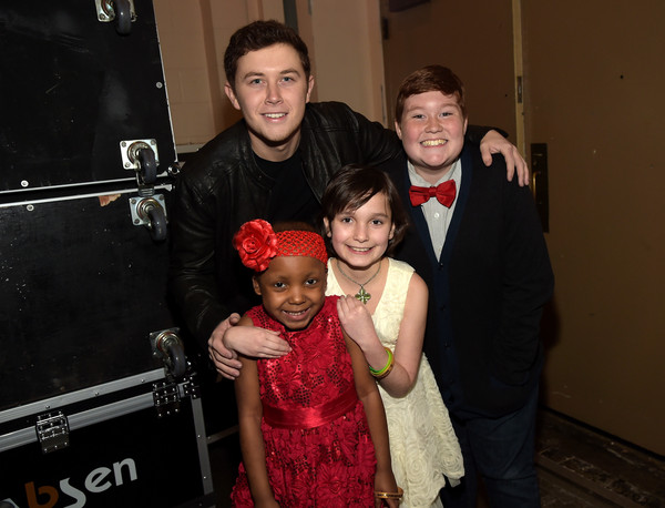 Scotty McCreery Singer Scotty McCreery and Make-A-Wish Kids Makalyn, Jessica, and Thomas attend 'Stars For Wishes' 2015 on January 17, 2015 in Nashville, Tennessee.