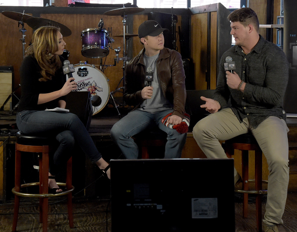 scotty mccreery talks about dating Scotty mccreery is in the middle of his first headlining tour as well as  gabi  dugal -- but the singer says romance with his busy schedule isn't.