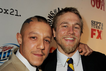 "Charlie Hunnam Theo Rossi Screening Of FX's ""Sons Of Anarchy"" - Red Carpet"