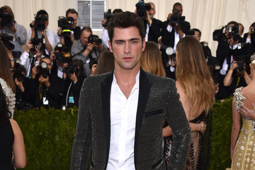 Sean O'Pry 'Manus x Machina: Fashion In An Age of Technology' Costume Institute Gala - Arrivals