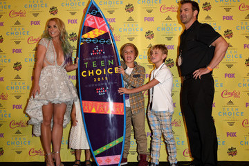Sean Preston Federline Stars Attend the Teen Choice Awards 2015