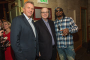 (L-R) Retired Hall Of Fame Quarterback Joe Montana, Seattle Seahawks owner Paul Allen and Seattle Seahawks Running Back Marshawn Lynch attend the FAM 1st FAMILY FOUNDATION Charity Event at The Edgewater Hotel on December 14, 2014 in Seattle, Washington.