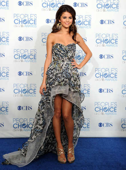 Selena Gomez - 2011 People's Choice Awards - Press Room