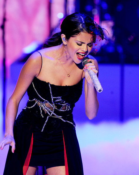 Selena Gomez Singer Selena Gomez of Selena Gomez & The Scene perform onstage during the 2011 Teen Choice Awards held at the Gibson Amphitheatre on August 7, 2011 in Universal City, California.
