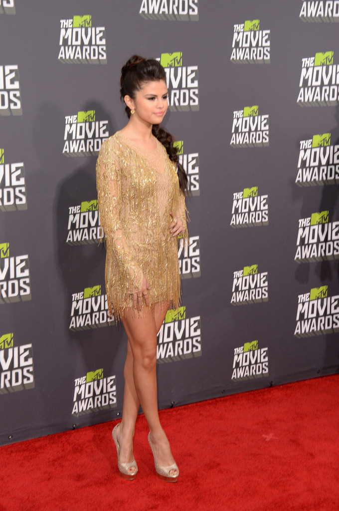 مـهـرجــــان 2013 Movie Awards Selena Gomez 2013 MTV Movie Awards Arrivals YYhysZD6zp9x.jpg