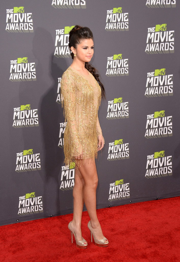 مـهـرجــــان 2013 Movie Awards Selena Gomez 2013 MTV Movie Awards Arrivals moVNuk5w2uLx.jpg