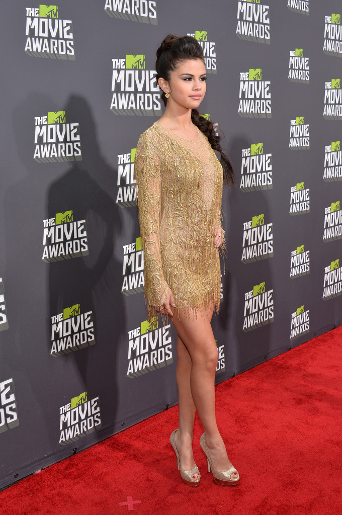 مـهـرجــــان 2013 Movie Awards Selena Gomez 2013 MTV Movie Awards Red Carpet rCZyVSUdgT2x.jpg