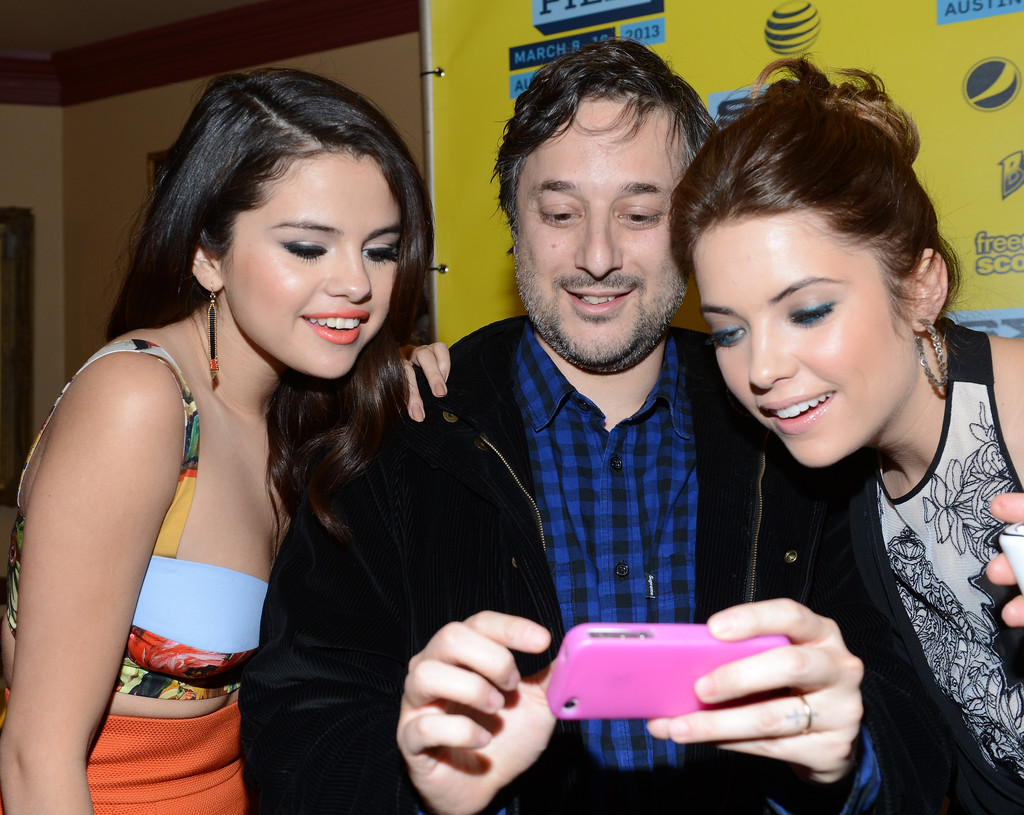 (L-R) Selena Gomez, Harmony Korine and Ashley Benson at the green room for Spring Breakers during the 2013 SXSW Festival on March 10, 2013 in Austin, Texas. (Getty)