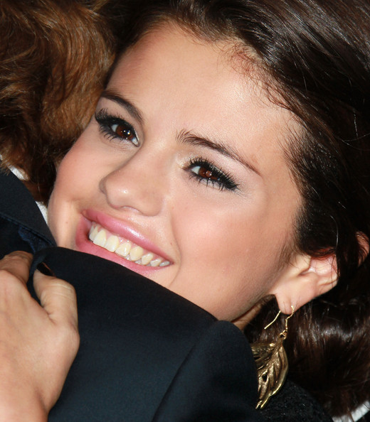 """Selena Gomez Singer/actress Selena Gomez attends the premiere of Lionsgate Films' """"Abduction"""" at Grauman's Chinese Theatre on September 15, 2011 in Hollywood, California."""