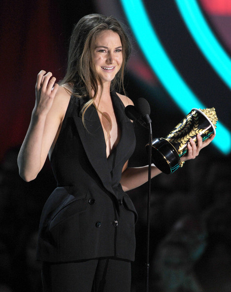 Shailene Woodley Actress Shailene Woodley accepts the Breakthrough Performance award onstage during the 2012 MTV Movie Awards held at Gibson Amphitheatre on June 3, 2012 in Universal City, California.
