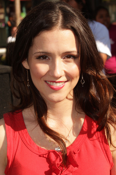 Shannon Woodward actress