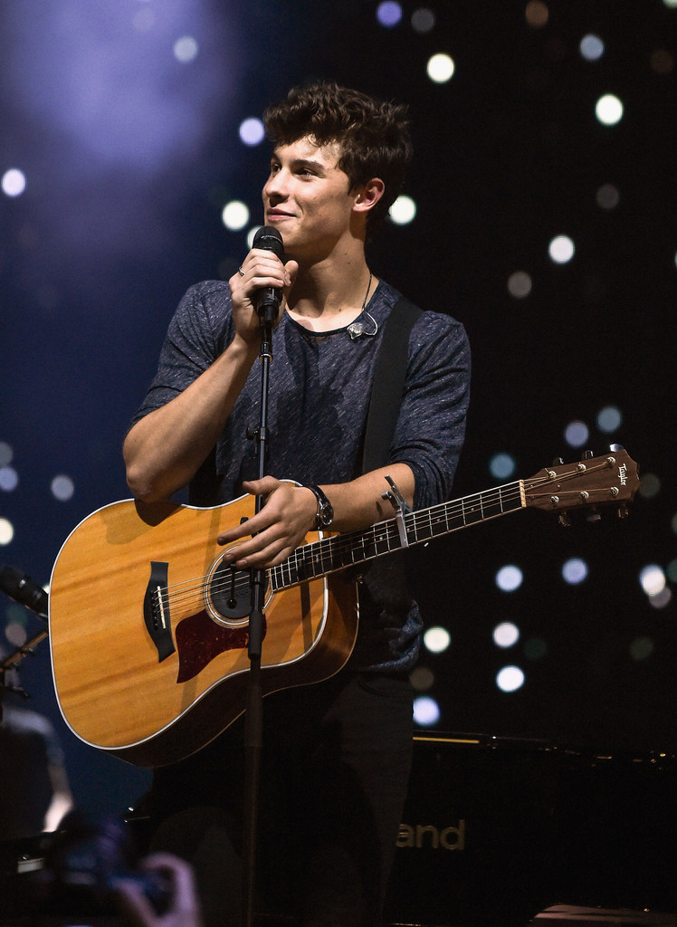 Shawn Mendes Photos Photos Shawn Mendes Performs In Concert In New York City September 10