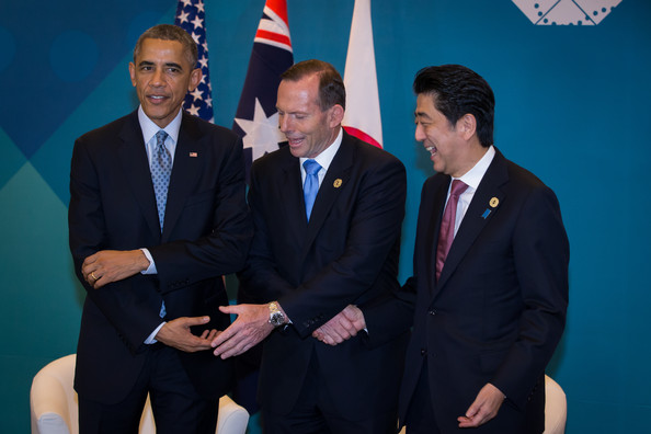 World Leaders Gather for G20 Summit  [event,businessperson,official,suit,employment,management,white-collar worker,business,gesture,ceremony,barack obama,tony abbott,shinzo abe,l-r,u.s.,australian,brisbane,world leaders gather for g20 summit,g20 summit,meeting]