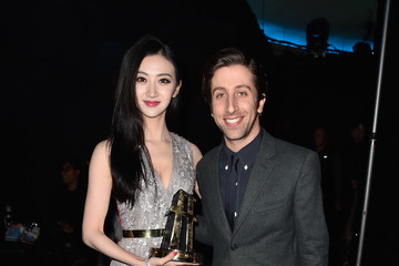 Simon Helberg Backstage at the 18th Annual Hollywood Film Awards