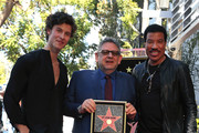 (L-R) Shawn Mendes, Sir Lucian Grainge and Lionel Richie pose as Sir Lucian Grainge is honored with a Star on the Hollywood Walk of Fame on January 23, 2020 in Hollywood, California.