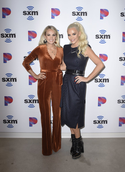 SiriusXM's Town Hall With Carrie Underwood Hosted By SiriusXM's Jenny McCarthy At The SiriusXM Studios In Los Angeles - 1 of 14