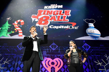 Sisanie 102.7 KIIS FM's Jingle Ball - Show