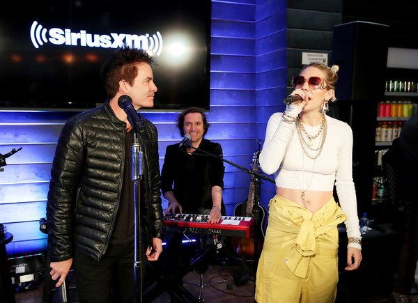"""SiriusXM's """"Dial Up The Moment"""" Pop-Up Performance With Train & Skylar Grey"""