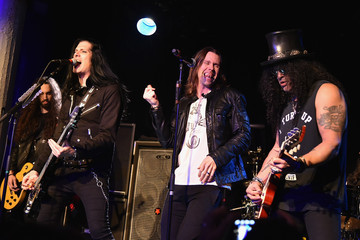 Slash Slash Performs in NYC