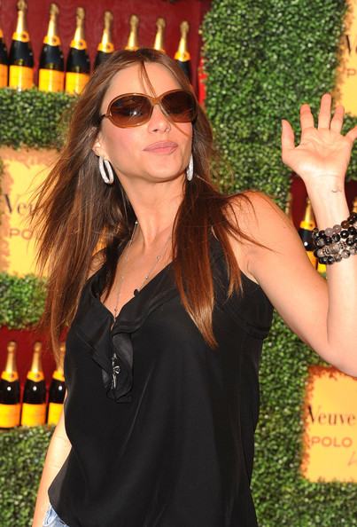Sofia Vergara Actress Sofia Vergara arrives at Veuve Clicquot Polo Classic ...