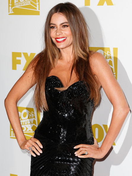http://www3.pictures.zimbio.com/gi/Sofia+Vergara+Fox+Searchlight+2013+Golden+GwNfF3FhGQRl.jpg