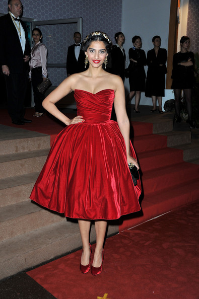 Sonam Kapoor - Winners Dinner Arrivals - 65th Annual Cannes Film Festival