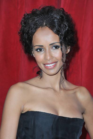 sonia rolland dating Former miss france sonia rolland finds him irresistible and gives birth to their daughter, tess in january 2007 the couple appear on the cover of celebrity magazines gala and closer and are frequently snapped at red carpet events.