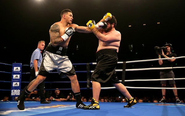 Footy Show Fight Night [combat sport,sports,sport venue,contact sport,boxing ring,boxing,professional boxer,striking combat sports,professional boxing,boxing equipment,sonny bill williams,chauncy welliver,left,australia,sydney,allphones arena,footy show fight night,bout]