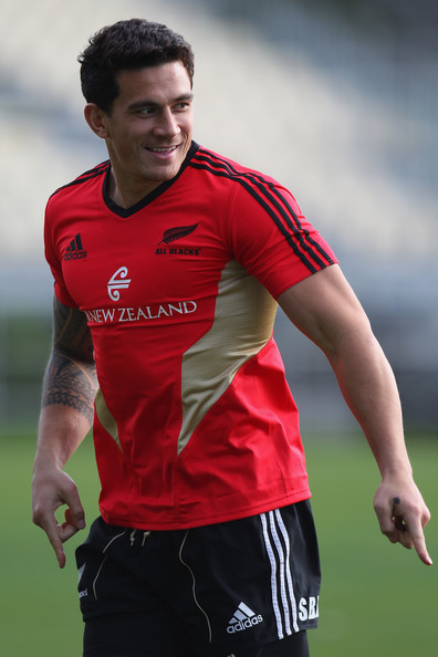 this photo sonny bill williams sonny bill williams warms up for a ...