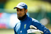 Imran Tahir arrives for  a South Africa nets session at Eden Park on March 5, 2015 in Auckland, New Zealand.